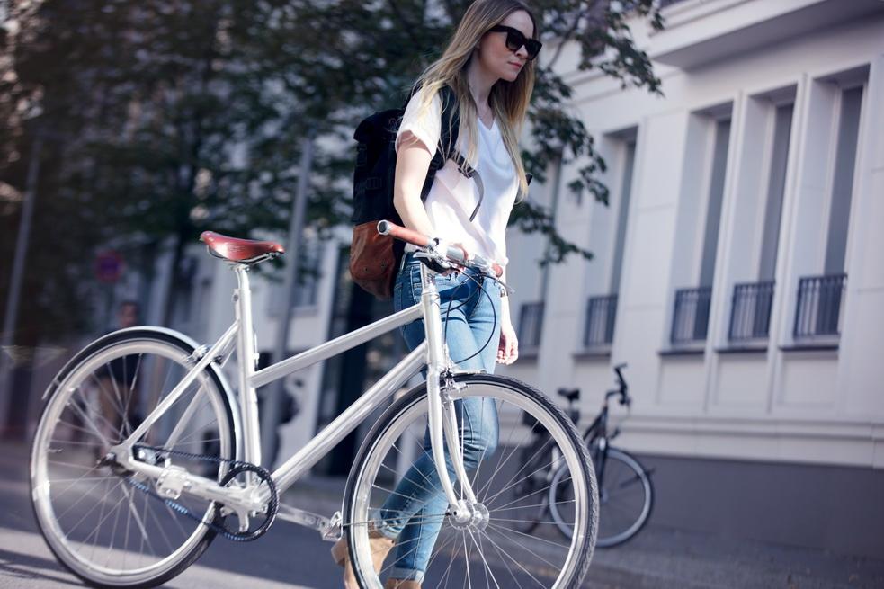Schindelhauer Lotte אופני נשים מונעים ברצועה